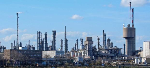Planta química altamente eficiente con Optimas